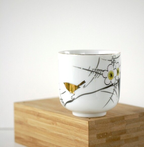 Vintage Porcelain Teacup Japanese Plum Blossom and Bird YY Made in Japan
