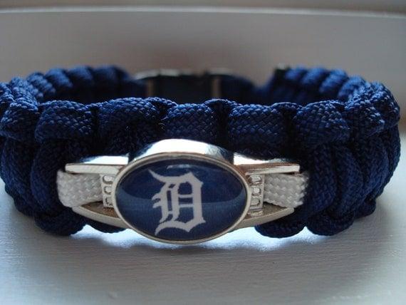 detroit tiger s paracord bracelet by emparacord on etsy