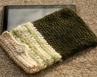 Forest green crocheted kindle / kindle fire cover with button fastener