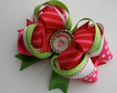 Christmas Personalized Boutique Hairbow for Girls, Toddlers, and Babies Red Pink Green White Bottle cap Bow