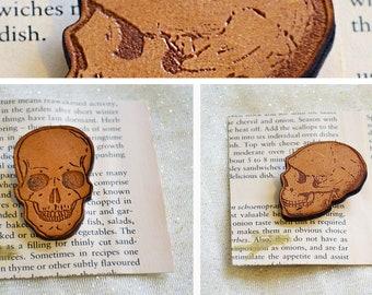 Skull Brooch SOLD OUT!