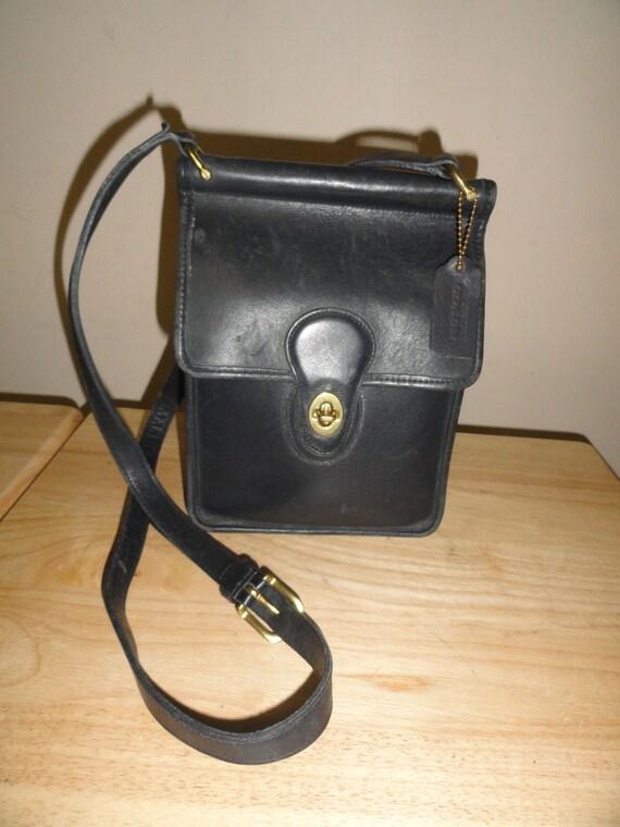 Vintage Navy Blue Rare COACH Crossbody Messenger Bag No. 0193 324 Made In USA