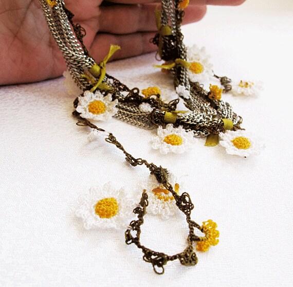 vintage lace necklace-vote daisy chain necklace-vintage fiber art