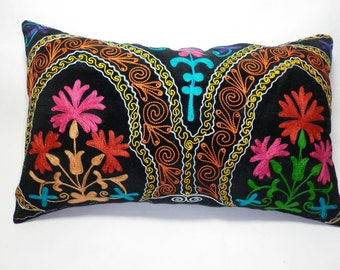 Buglem /  Embroidered Suzani Velvet Pillow Cover - 14,60x23,20 inch