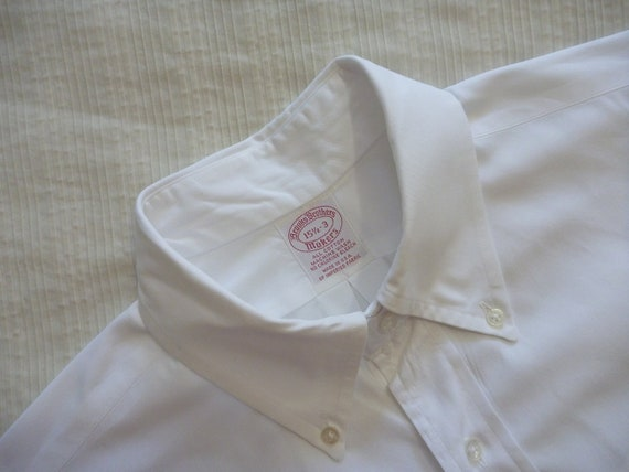 Wardrobe Staple Vintage Brooks Brothers Solid White Button Down OCBD Shirt 15 1/2 - 3. Made in USA.