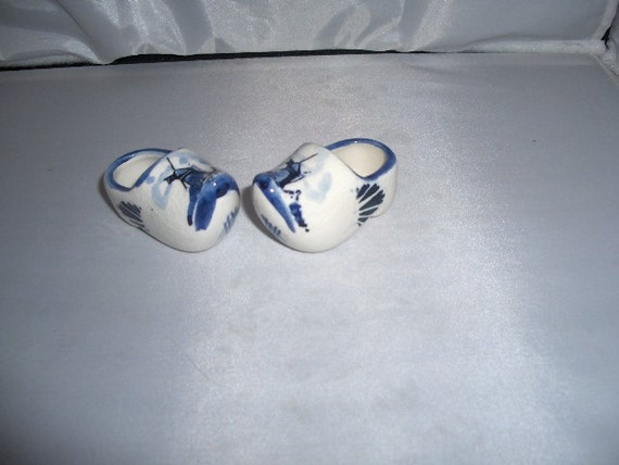 Vintage Delft Blue mIniature shoes