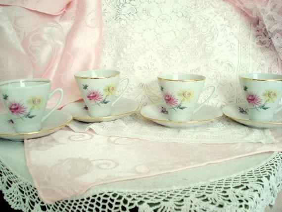 Vintage Teacups Demitasse Freiberger Porzellan Porcelain Germany Tea Cups Set of 4 Shabby Cottage Chic Vintage