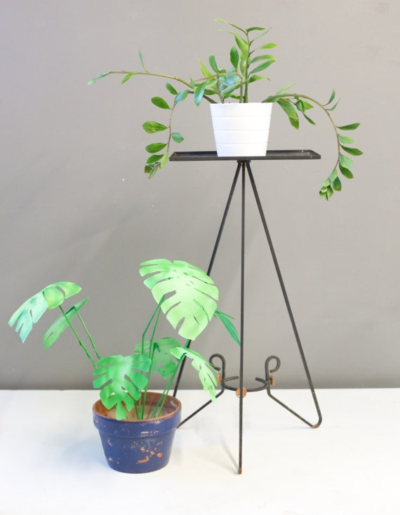 mid century tall metal wire plant stand by bricoleurstudio. Black Bedroom Furniture Sets. Home Design Ideas