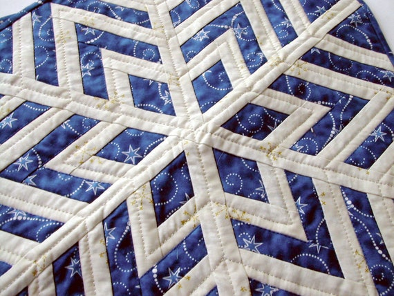 Patchwork Quilt Centerpiece Snowflake In Blue And White