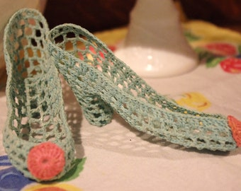 Vintage Kitsch: Tiny Aqua Crocheted Pumps Shoes Heels