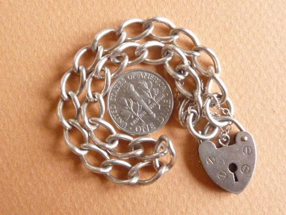 14.6 GR Vintage Sterling Silver Bracelet Charm With Hearth Padlock Jewelry charm bracelet