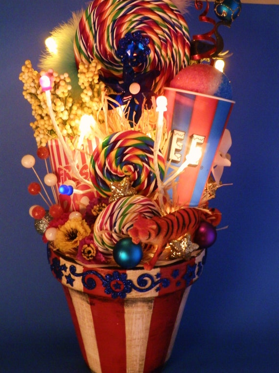 Lighted carnival circus decor centerpiece for Clown dekoration