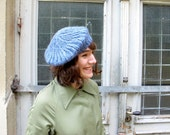 Hand knitted blue beret in organic wool. Knit beret, beret hat, wool beret, organic beret. Spring fashion.
