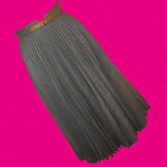 1970's G. Gucci wool accordion pleat skirt 24 inch waist