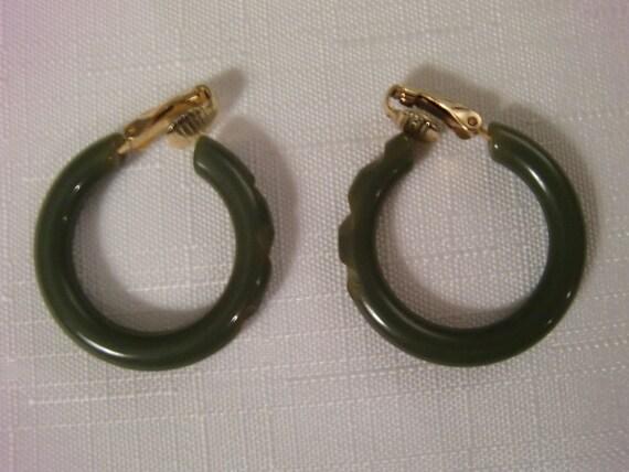BAKELITE Vintage Green Carved Clip Earrings