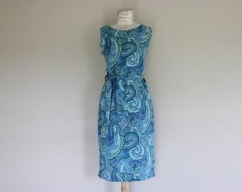 1960s Vintage Shift Dress/Paisley
