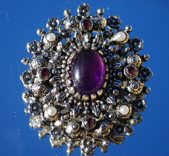Sarah Coventry Purple brooch from the  Catherine set 1972