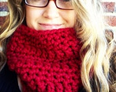 Christmas Cranberry red Gift idea CHUNKY COWL, chunky womens cowl, nurse gift, babysitter gift, christmas cowl gift, mother in law gift