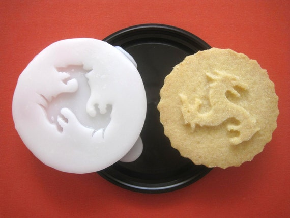 HOUSE TARGARYEN inspired COOKIE Stamp recipe and instructions - make your own Game of Thrones inspired Cookies