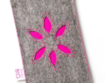 Felt cell phone cover - customized to fit your smartphone perfectly