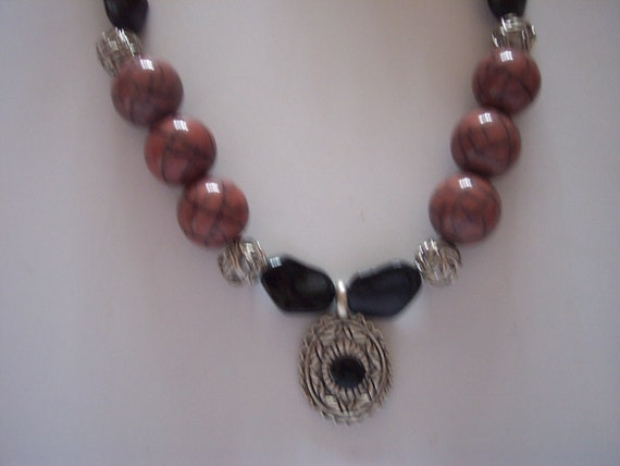 Pink crackle bead necklace,pink and black bead necklace,crackle bead necklace