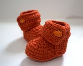 On sale--Halloween Crochet baby Booties with pumpkin Buttons (size 0-3, 3-6, 6-9, 9-12 months)