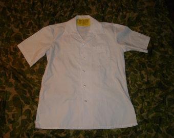 "US Military Issue Medical Shirt.  Men's Medium ""Medical Assistant's Smock"""