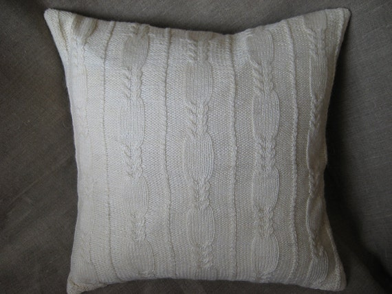 Pillow cover hand made in ivory wool with hidden zipper - 16x16