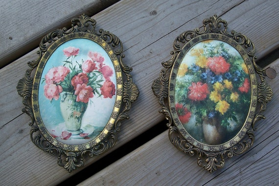 Vintage Pair of Made in Italy Oval Floral Pictures