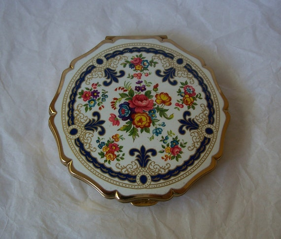 Vintage Stratton England Compact Gold Toned By