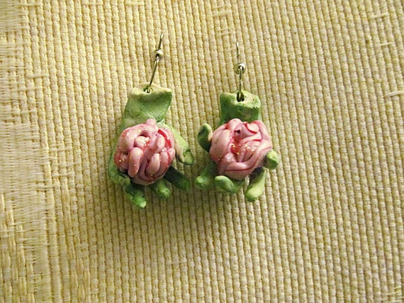 Dangles Zombie Brains Earrings Halloween Jewelry Hands Wearable Art