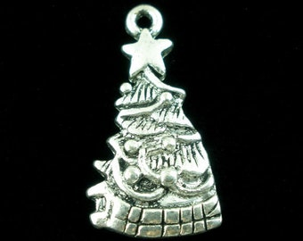 5 Pieces Antique Silver Christmas Tree Charms