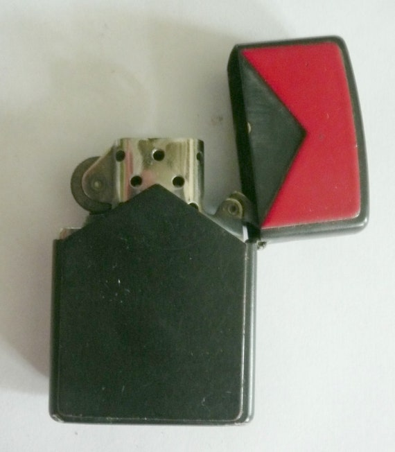 Marlboro Black & Red Zippo Lighter