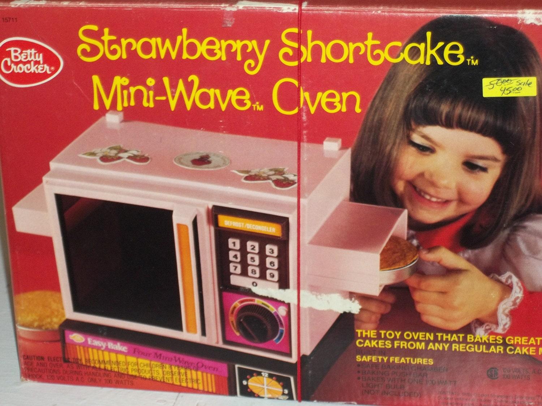 Strawberry Shortcake Mini Wave Oven By Backbuypopulardemand