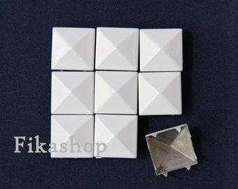 20% Off Clearance SALE : 9mm 100pcs White Polished pyramid studs (8 legs) / HIGH Quality - Fikashop