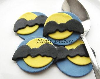 Edible Halloween cupcake toppers - BATS - Fondant cake decorations Halloween Cupcakes Bats   (6 pieces)