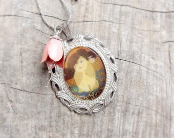 Portrait Flower Necklace medaillon Powder Pink floral Vintage enamel flower