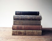 Vintage Books Collection : Decorative Stack of Books