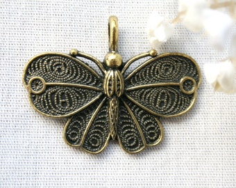 3  Lovely Antique Bronze Butterfly Charm/Pendant