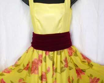 Half price GARDEN PARTY Vintage Yellow Floral Party Sundress Full skirt