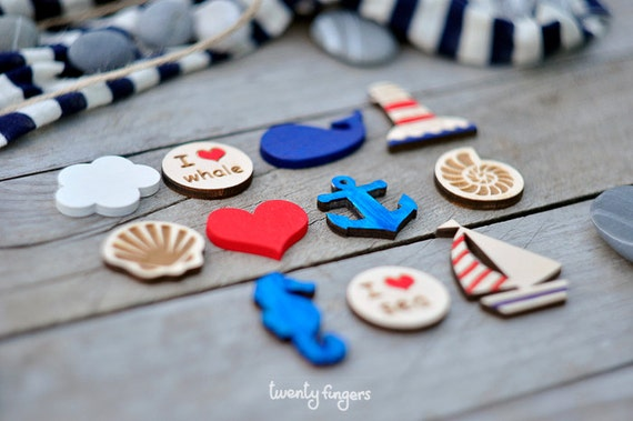Lovely wooden brooch with sea motifs, set of 3 pieces - laser cut wood