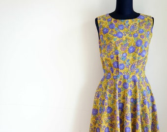 80's Blue Daisy Yellow Mustard Dress // Retro mustard dress // Size S Vintage Dress