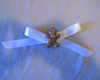 Gingerbread with bow Barrette