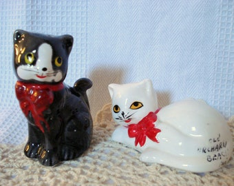 Vintage Cat Kittens Salt and Pepper Shakers Kitty Old Orchard Beach Maine Souvenir Vintage