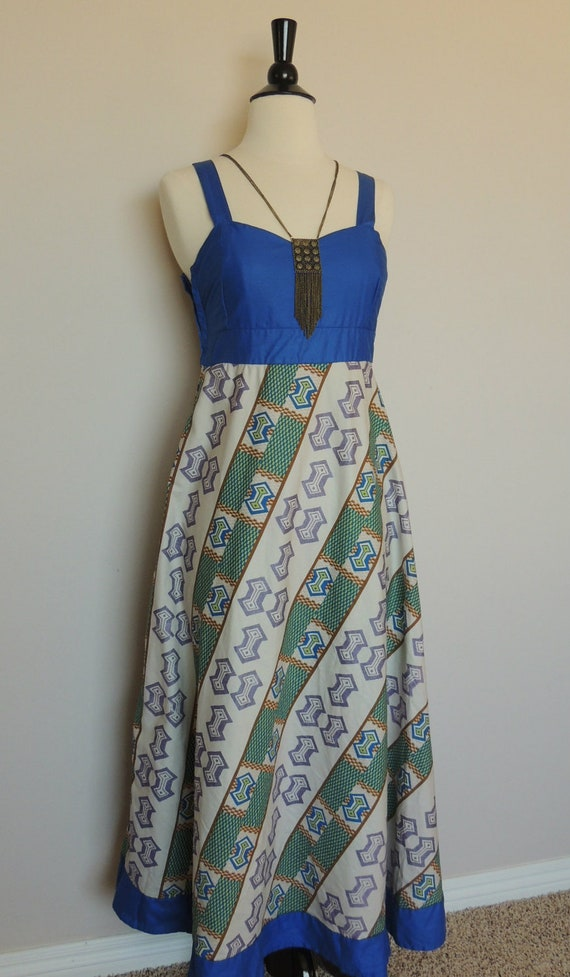 Vintage 70s Dress Maxi Hippie Dress with KEYHOLE OPEN BACK