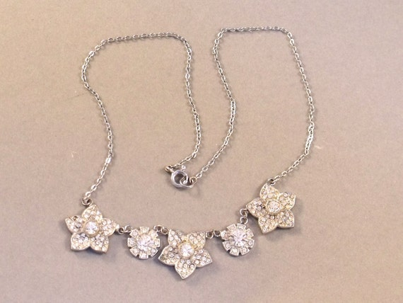 LISTING RESERVED--Delicate Vintage Flower Diamante Atriculated short  White Metal Necklace very Bridal or Party