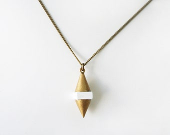 Geometric spike necklace -White-