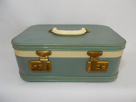 Vintage luggage travel train makeup carry on case