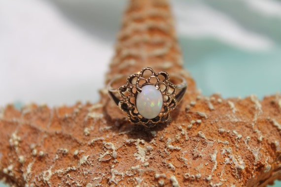 Antique 10K Solid Yellow Gold Genuine & Natural Opal Filigree Ring - Size 6
