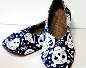 Adult Shoe -- Dia de los Muertos Kimono Slipper / House Shoe -- Size 9